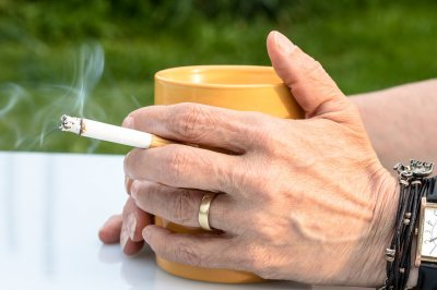 Investigation discredits studies suggesting lower COVID-19 risk for smokers