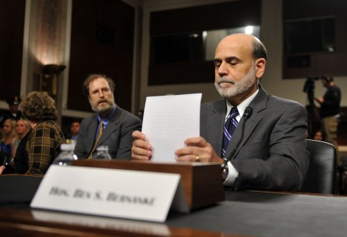 Bernanke predicts slow, steady growth