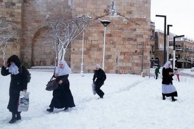 Rare blizzard ices over Jerusalem, Middle East