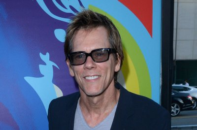 Kevin Bacon to star in play 'Rear Window' at the Hartford Stage