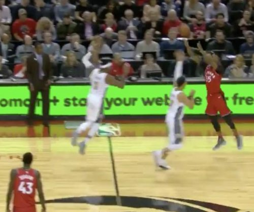 Raptors' Wright sinks half-court buzzer-beater