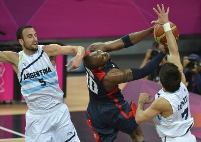 U.S. steams into basketball quarterfinals