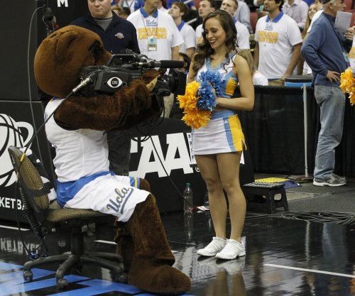 No. 3 UCLA routs Arizona State 102-80