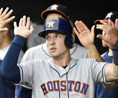 Houston Astros jolt Texas Rangers, headed back home