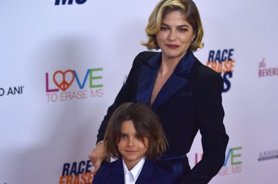 Selma Blair celebrates amid MS battle: 'For now, I have recovery'