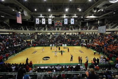 Winless Chicago State suspends rest of basketball season due to COVID-19