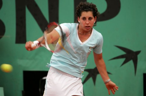 Suarez Navarro moves to semis in Colombia