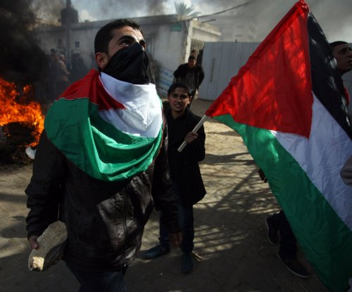 Palestinian protesters attack UN compound in Gaza