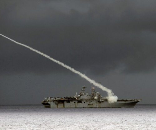 USS Bonhomme Richard test-fires Sea Sparrow missile