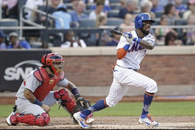 MLB: Jose Reyes' infield hit in ninth lifts New York Mets past St. Louis Cardinals