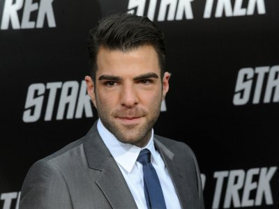Quinto says he's not giving up Spock role