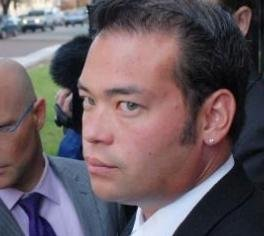 Jon Gosselin says he plans to sue Kate for primary custody of their sextuplets