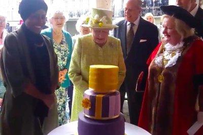 Queen Elizabeths cake baked by TV champ Nadiya Hussain UPIcom