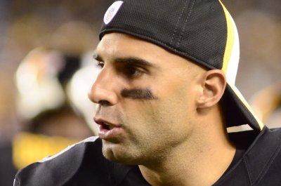 Pittsburgh Steelers re-sign QB Bruce Gradkowski