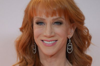 Kathy Griffin apologizes for bloody anti-Trump photo: 'I went way too far'