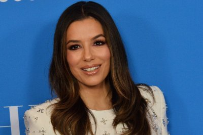 Eva Longoria to direct Richard Montanez biopic 'Flamin' Hot'