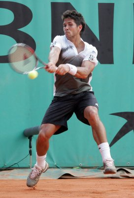 Verdasco rolls into semis in New Haven