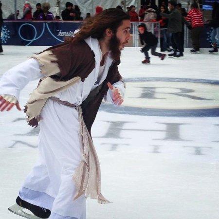 Ice skating Jesus arrested at Love Park