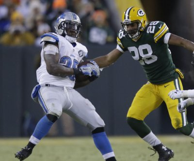 Green Bay Packers S Sean Richardson injures neck