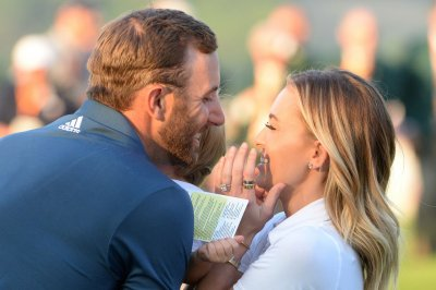 Dustin Johnson, Phil Mickelson roll into Match Play quarters