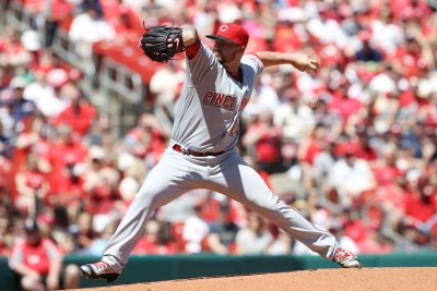 Joey Votto, Brandon Finnegan lead Cincinnati Reds past Philadelphia Phillies