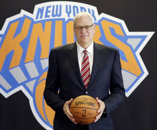 New York Knicks pick up Phil Jackson's two-year contract option