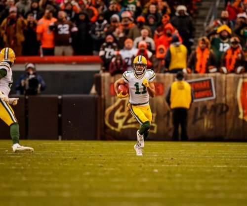 Green Bay Packers WR Trevor Davis not charged for LAX bomb joke
