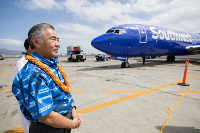 Southwest lands in Hawaii after delay from federal shutdown