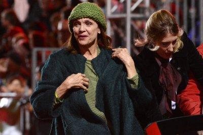 Funeral held for 'Rhoda' star Valerie Harper