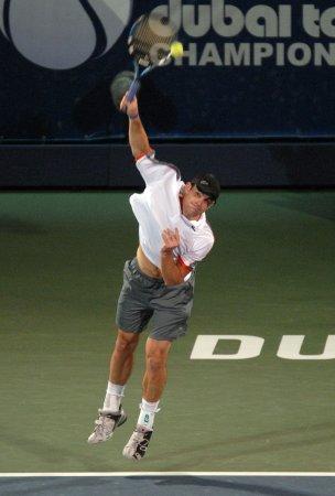 Roddick, Lopez reach Dubai finals