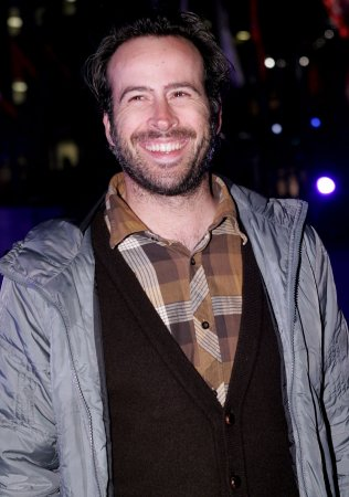 Jason Lee's wife gives birth to a son