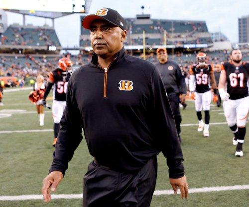Cincinnati Bengals coach Marvin Lewis dealing with 'minor health issue'