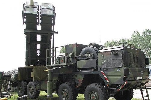 PAC-3 anti-ballistic missile launcher downs target via remote control