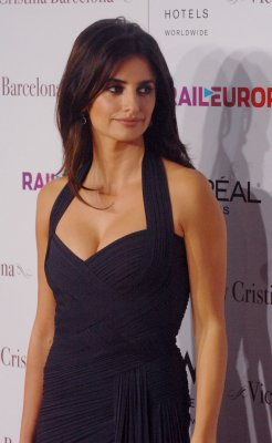 Penelope Cruz tops best dressed list