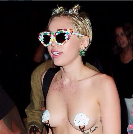 Miley Cyrus wears nipple pasties to NYFW after party