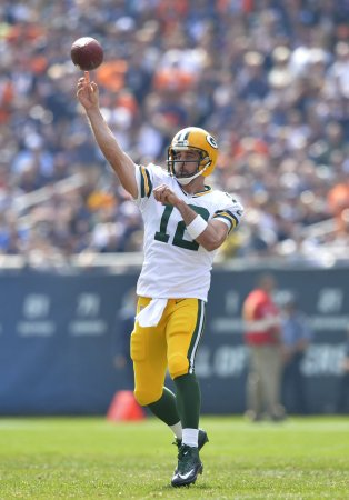 Aaron Rodgers, Green Bay Packers rout Eagles