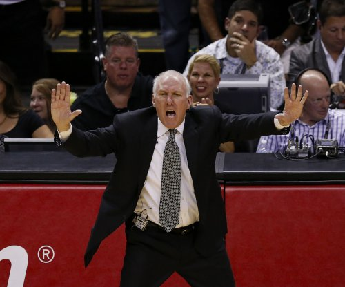 San Antonio Spurs begin month by topping Washington Wizards