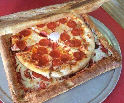 Brooklyn pizzeria to sell pizza box made entirely out of pizza