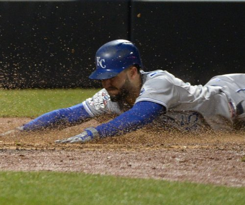 Eric Hosmer leads Kansas City Royals comeback against Chicago White Sox