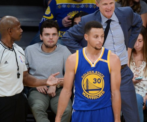 Golden State Warriors lock up Steph Curry with $201 million deal