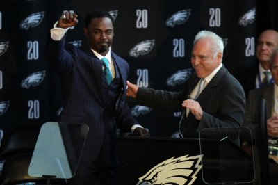 Brian Dawkins selects Troy Vincent as Hall of Fame presenter