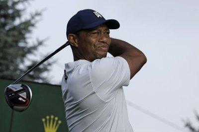 Northern Trust Open: Troy Merritt tops leaderboard; Tiger Woods struggles