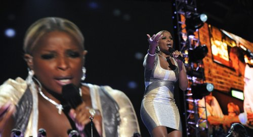 Mary J. Blige, Cricket donate $10K for fight against breast cancer