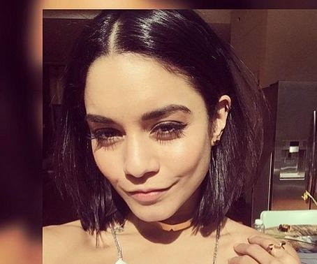 Vanessa Hudgens shows off new bob haircut
