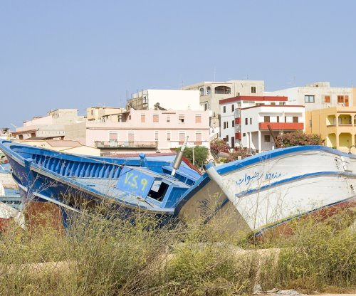 30 feared dead when migrant boat sinks off Libya
