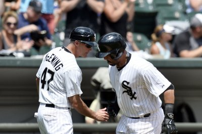 Chicago White Sox finish off sweep of Kansas City Royals
