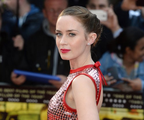 Emily Blunt in talks to star as Mary Poppins in upcoming Disney sequel