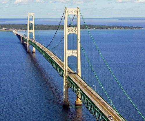 Enbridge pipeline damaged in Michigan