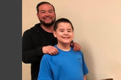 Jon Gosselin visits son Collin to celebrate his 14th birthday