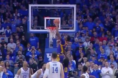 LSU upsets Kentucky on controversial tip-in at the buzzer